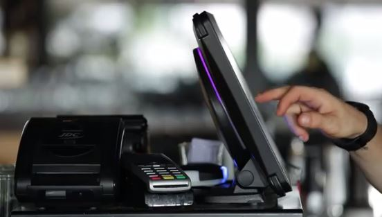 Prix caisse enregistreuse tactile : combien coûte un terminal point de vente ?
